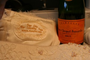 champagne time - the dress is finished!