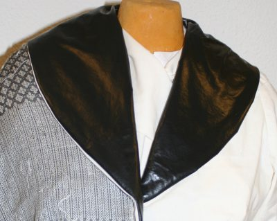 Jacket muslin, with Celtic braids separated by white stripes