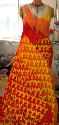 muslin skirt, with all the phoenixes flying upward