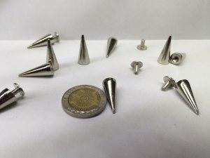 Puas Tachas Metalicas Art. M10 X 15 Unidades Con Tornillo