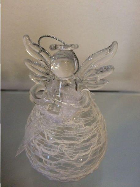 Angel de cristal con encajes