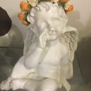 Angel Querubin con flores