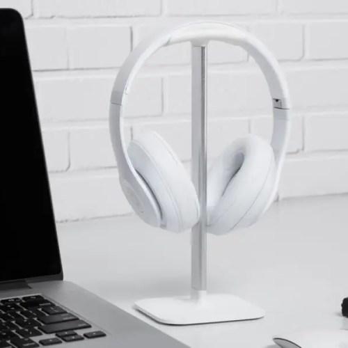 Stand Posto para auriculares color blanco