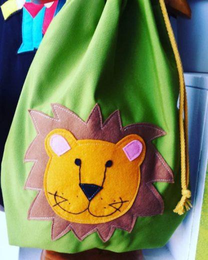 mochila infantil leon bueno