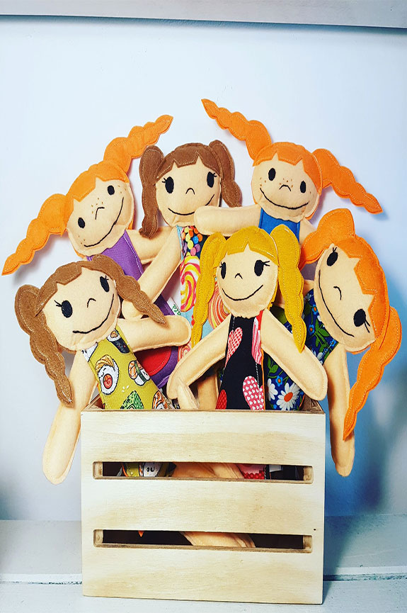 muñecos y muñecas de trapo artesanales