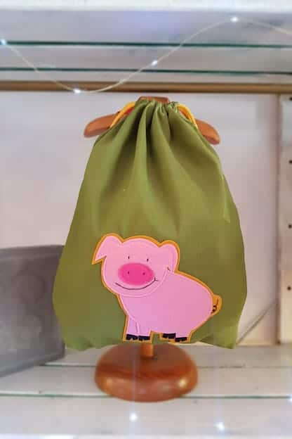 mochila infantil Cerdito verde