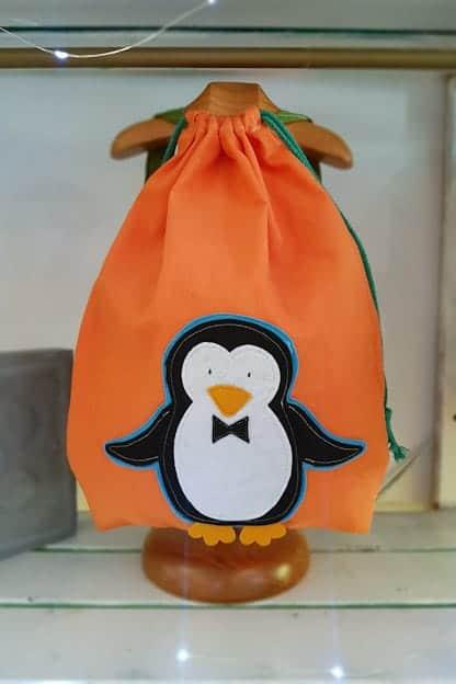 mochila infantil Pingüino naranja