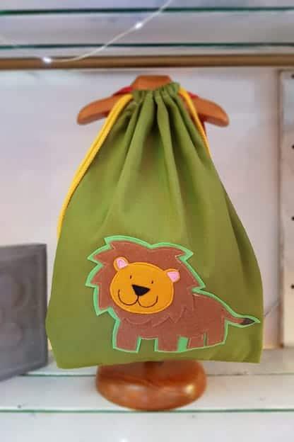 mochila infantil leo verde