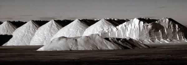 Montañas de sal en las salinas de San Pedro del Pinatar.