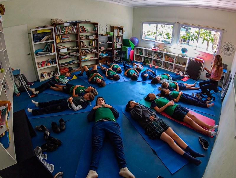 Yoga en Colegio Tierra del Sur