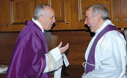 El cardenal Bergoglio con el padre Giacomo Tantardini en una foto del  2009