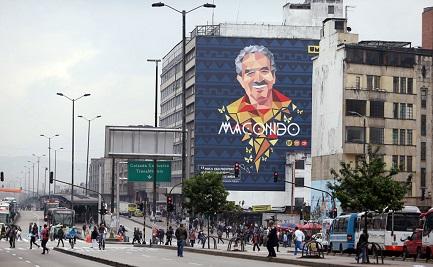 Un mural de García Márquez en Bogotá. Foto AP-Fernando Vergara