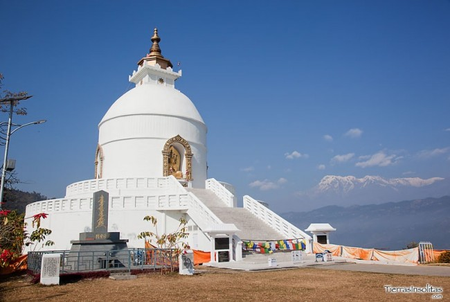 pagoda de la paz mundial en pokhara