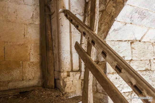 portada en el interior de la torre
