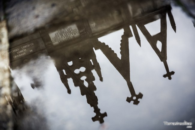 reflejo cementerio gótico de alba