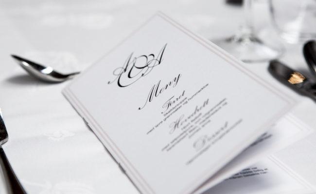 Drucksorten zur Hochzeit: Einladungen, Menükarten & Co.