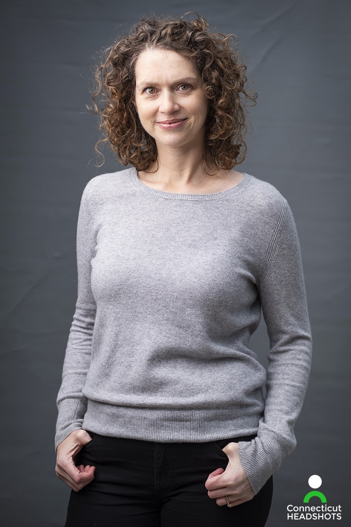 Using Mizu Backdrops: Connecticut Headshots