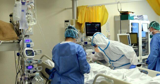 Coronavirus, il bollettino del 27 gennaio: +996 contagi in Sicilia