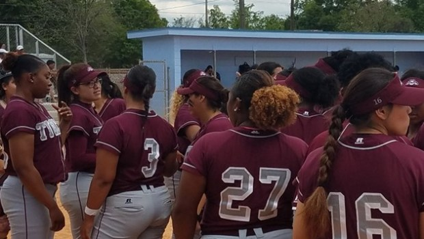 TSU climbs into first place in the SWAC West; Lady Tigers to host team's Alumni Day on Saturday. …read more Related posts: Rice holds off late TSU charge, defeats Lady […]
