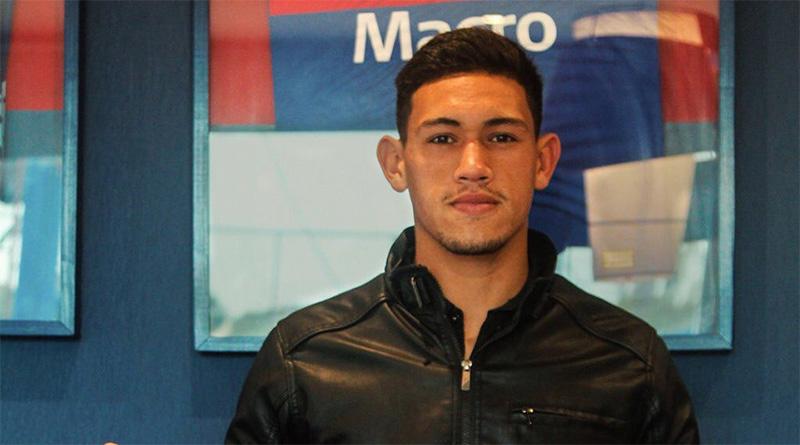 Primer contrato para Gonzalo Flores