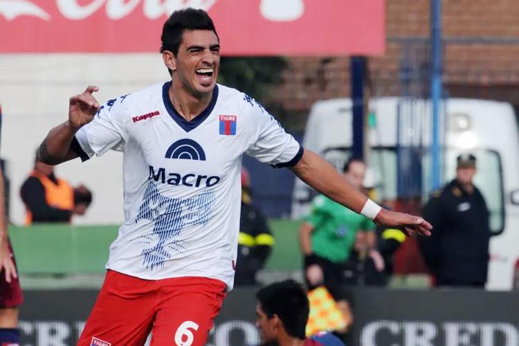 """Román Martínez: """"Feliz de volver a un club que quiero muchísimo"""""""