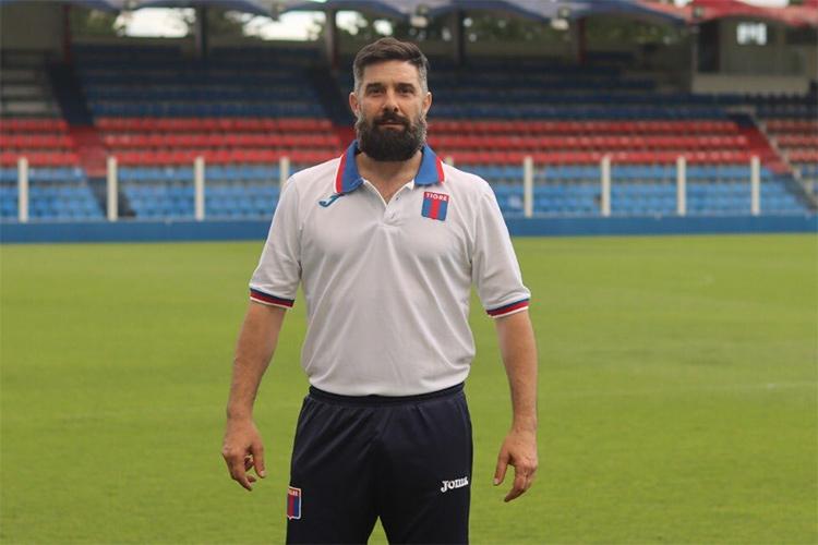 """Leandro Ugalde: """"Las expectativas que tenemos es entrar a zona de playoffs para competir por el ascenso"""""""