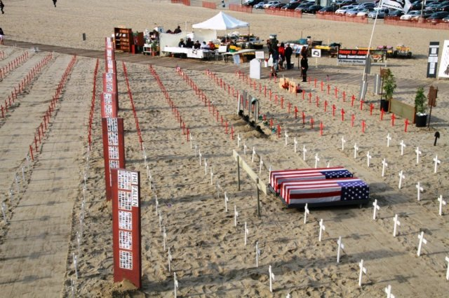 fallen-americans-in-afganistan-and-iraq-this-week-by-veterans-at-santa-monica-beach