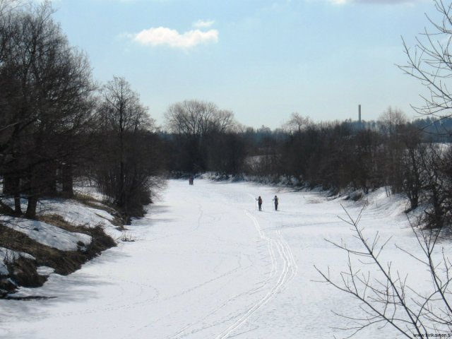 09-04-2013-skiing-on-river-vantaa