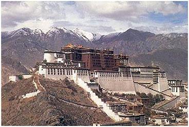 Tibetaans bergtopklooster copy
