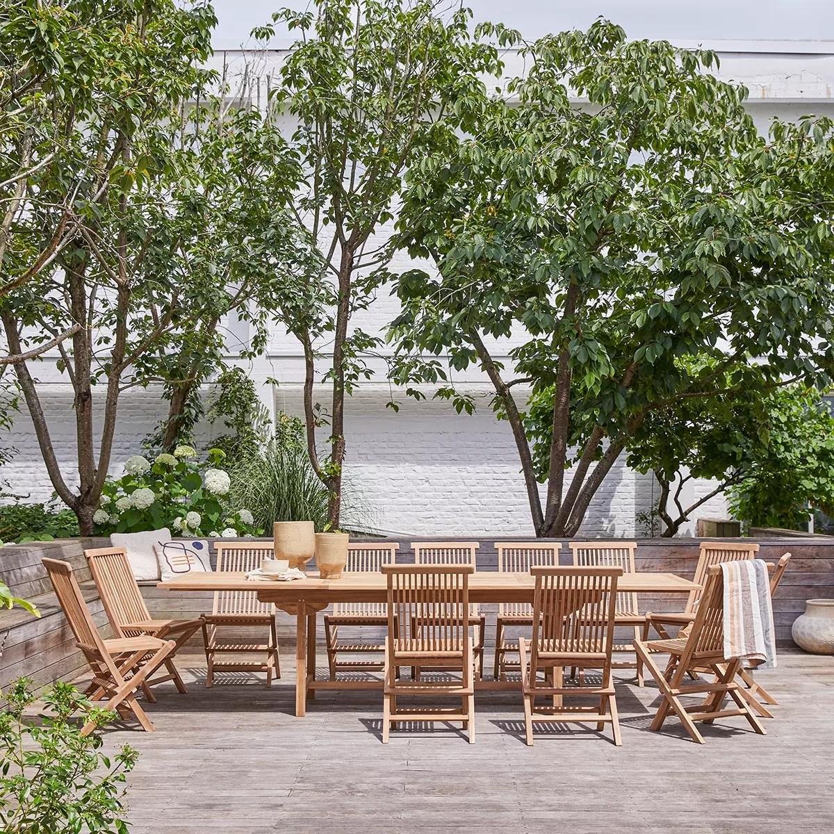 table et 12 chaises de jardin en teck meubles d exterieur