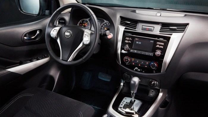 Nissan Navara Dashboard
