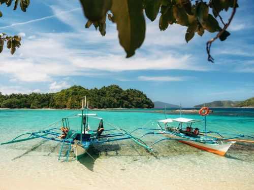 Paradise Island in Port Barton, Palawan