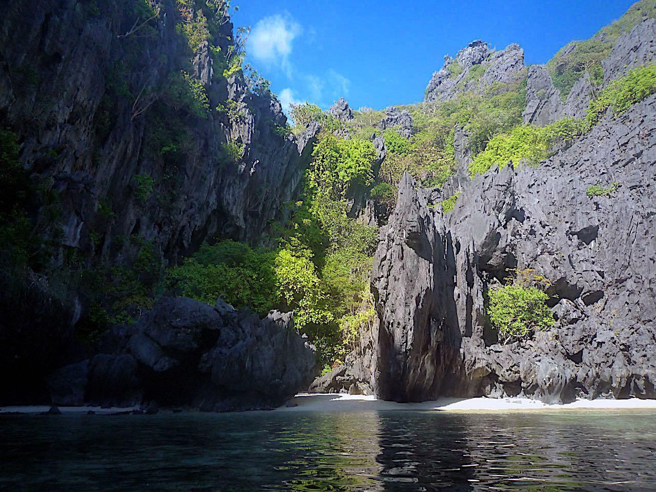 Secret Beach in El Nido, Palawan