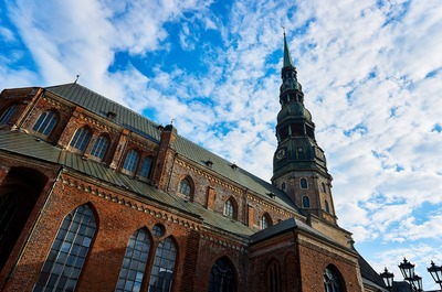 riga old town buildings full of accommodation.jpg