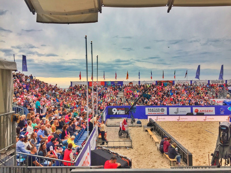crowds at the beach volleyball