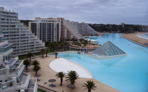 chile san alfonso del mar swimming pools 300x187 chile san alfonso del mar swimming pools