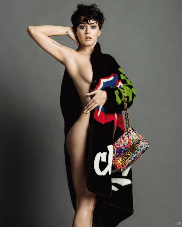 Katy Perry Sideboob with a fashionable purse 820x1024 Katy Perry Sideboob with a fashionable purse