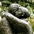 Sculpture of two people hugging