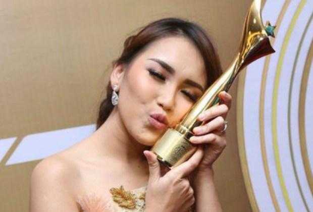 Sabet 4 Piala Anugerah Dangdut Indonesia, Ayu Ting Ting Tak Henti Ucap Syukur