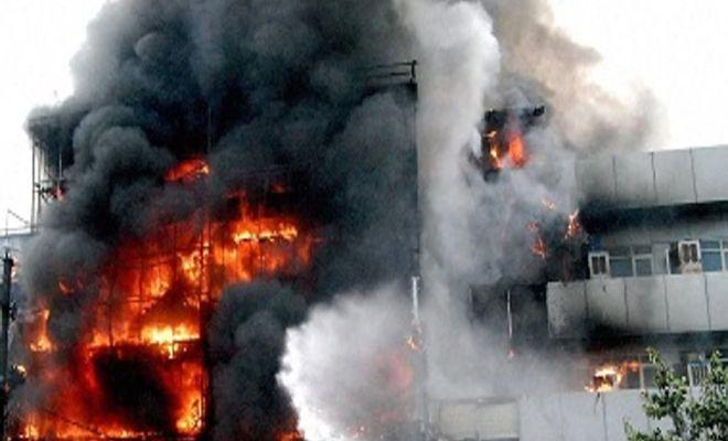 TIKTAK.ID - Kebakaran Pabrik Tas di India Tewaskan 40 Orang