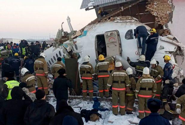 Sedikitnya 14 Orang Tewas dalam Kecelakaan Pesawat di Kazakhstan