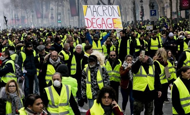 Demonstrasi Yellow Vest di Paris