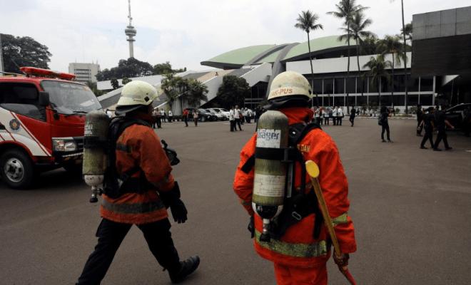 TIKTAK.ID - Sekilas 'Mukjizat' di Tengah Kebakaran Gedung DPR/MPR