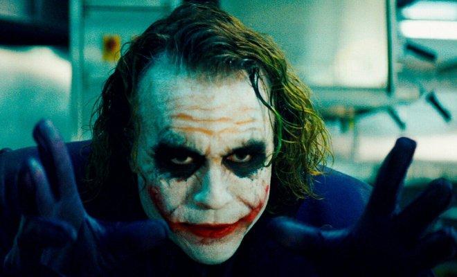 TIKTAK.ID - Berkat Akting Spektakulernya di Film Joker, Joaquin Phoenix Raih Oscar