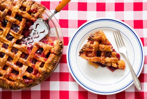 Pengen Bikin Pie Ceri, Kue Manis yang Sempat Dibuat Bunga Citra Lestari? Ini Resepnya