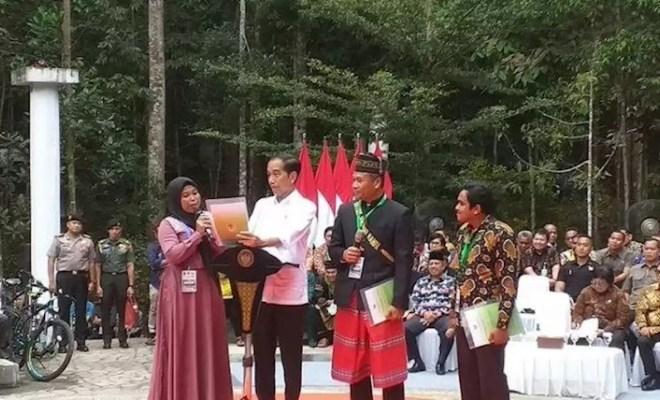 Gara-Gara Curhat Ibu ini, Jokowi Ancam Pejabat Riau: Kalau Tak Selesai Saya Turunkan Tim dari Jakarta