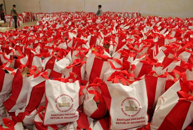 Polemik Bansos dari Pemprov DKI dan Jokowi Dibagikan ke Orang yang Sama, TNP2K: Disengaja oleh Anies
