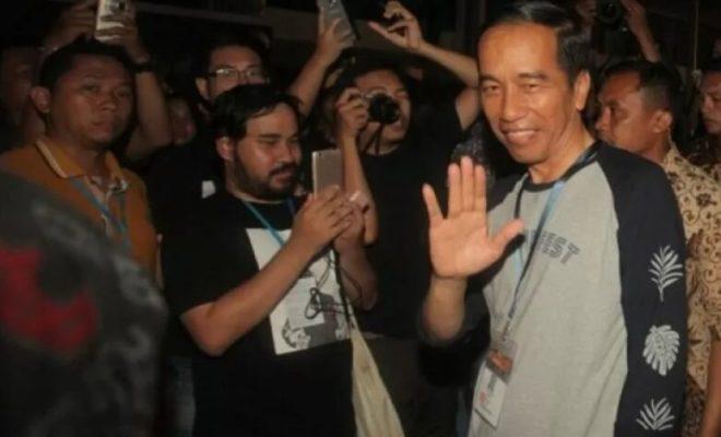 CEK HOAKS ATAU FAKTA: Jokowi Hadiri Konser dan Berada di Tengah Lautan Manusia Saat PSBB