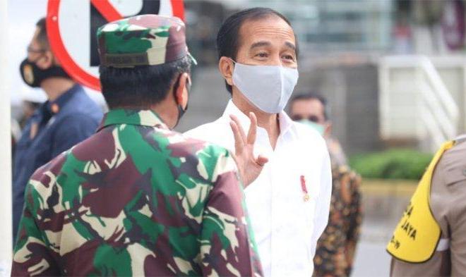 Jokowi: Pengerahan TNI-Polri di Titik Keramaian Agar Masyarakat Disiplin Ikuti Aturan PSBB