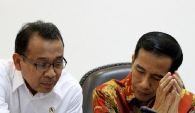 Diskusi Pemakzulan di UGM, Upaya Menikam 'Jantung' Jokowi